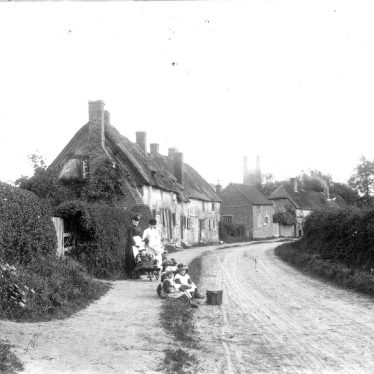 Hampton Lucy.  Village street