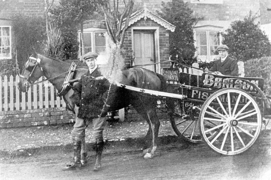 Benison's fishmongers horse and cart outside a cottage in Ashorne.  1910s |  IMAGE LOCATION: (Warwickshire Museums. Photographic Collections.)