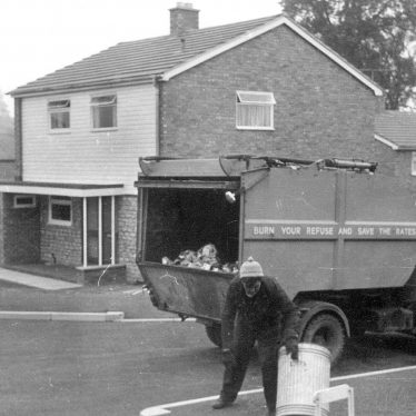 Ilmington.  Refuse collection