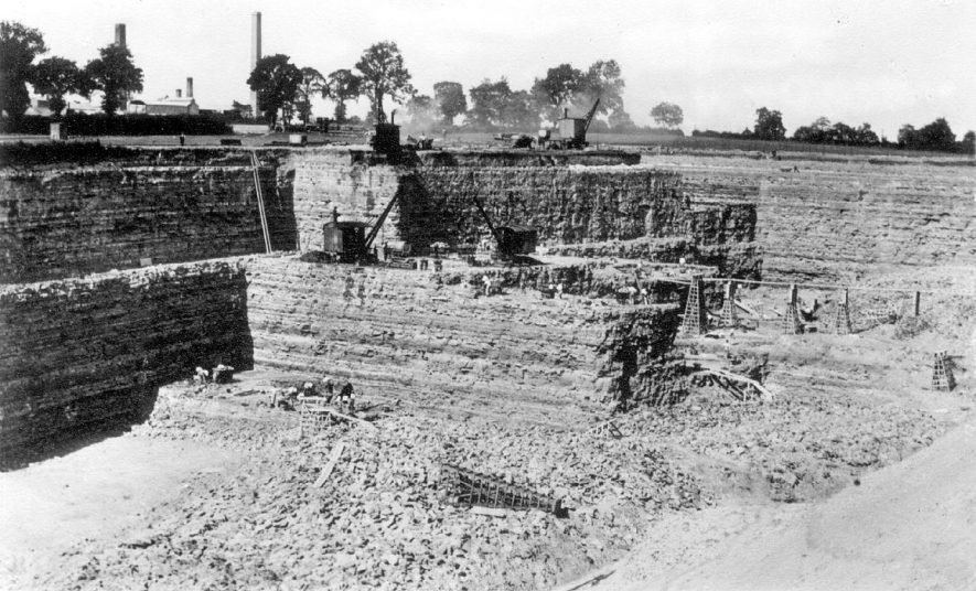 View of Nelsons' works at Stockton. Blue Lias lime was extensively manufactured here.  1907 |  IMAGE LOCATION: (Warwickshire Museums. Costume Collections.)