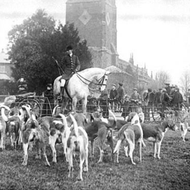 Brailes, Lower.  Warwick Hunt meet
