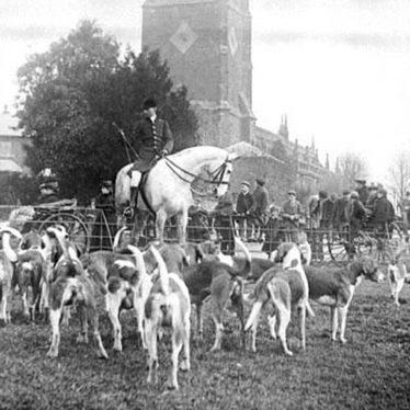Brailes, Lower.  Warwick Hunt meet