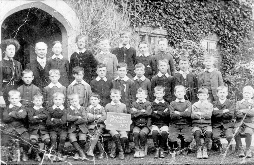 Stockton council school class photograph.  1908 |  IMAGE LOCATION: (Warwickshire Museums. Photographic Collections.)