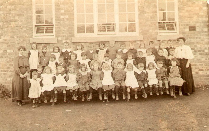 Stockton school pupils and teachers.  1900s |  IMAGE LOCATION: (Warwickshire Museums. Photographic Collections.)