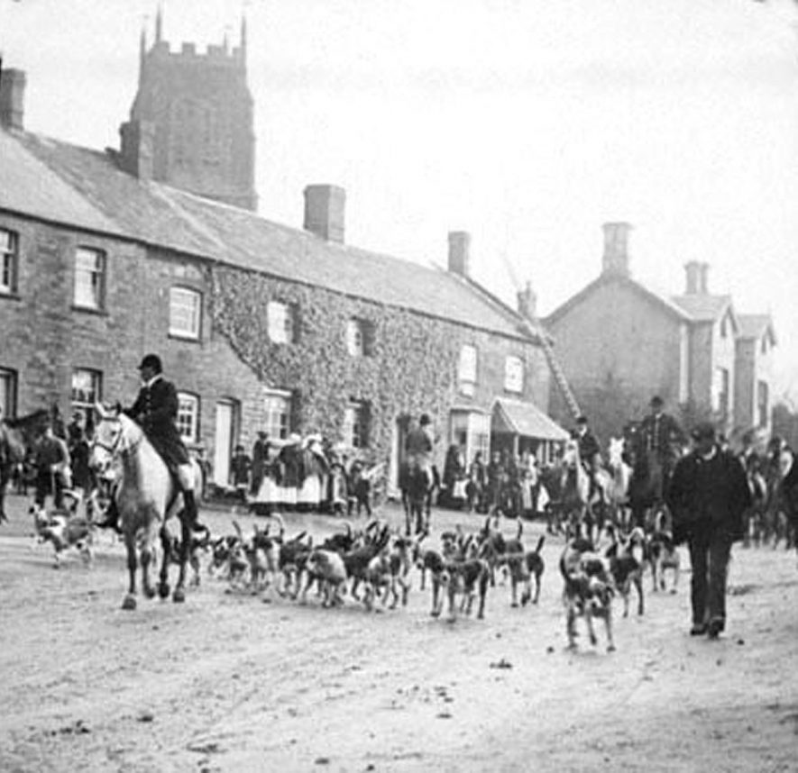 Meet of the hunt in Lower Brailes.  1920s |  IMAGE LOCATION: (Warwickshire County Record Office)