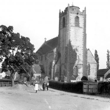 Long Itchington.  Holy Trinity church