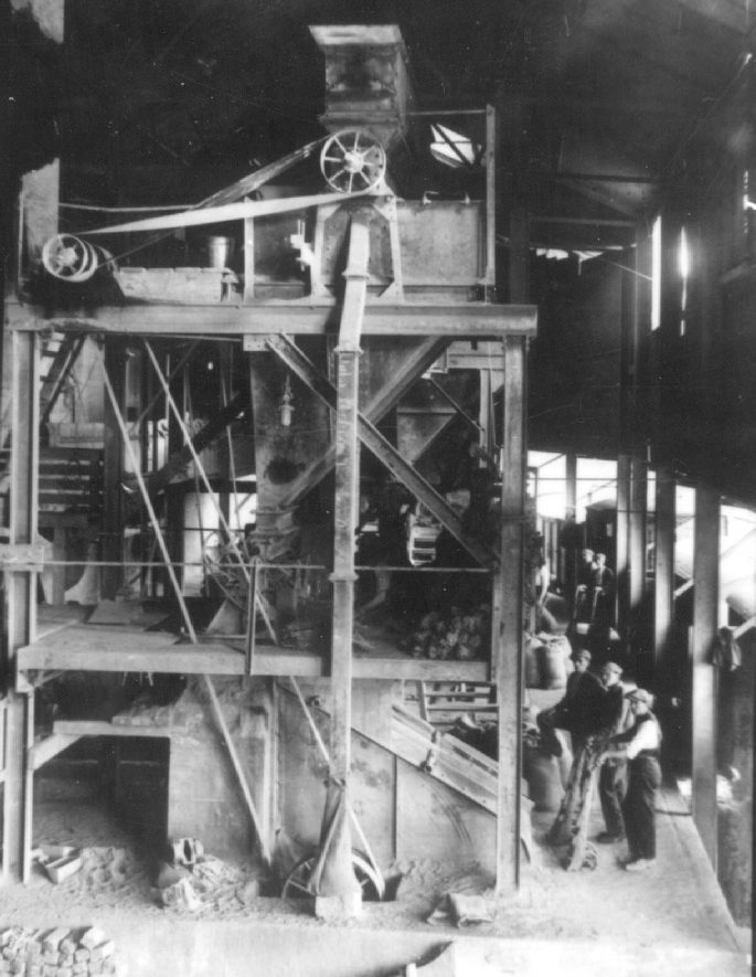 Harbury quarry showing machinery of C M C Ltd.  1925 |  IMAGE LOCATION: (Warwickshire Museums. Photographic Collections.)