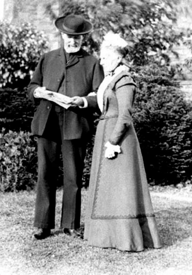 Rev & Mrs Thomas Smith (Vicar of Brailes, 1856-86) . 1900. |  IMAGE LOCATION: (Warwickshire Museums. Photographic Collections.) PEOPLE IN PHOTO: Smith, Revd Thomas, Smith, Mrs Thomas, Smith as a surname