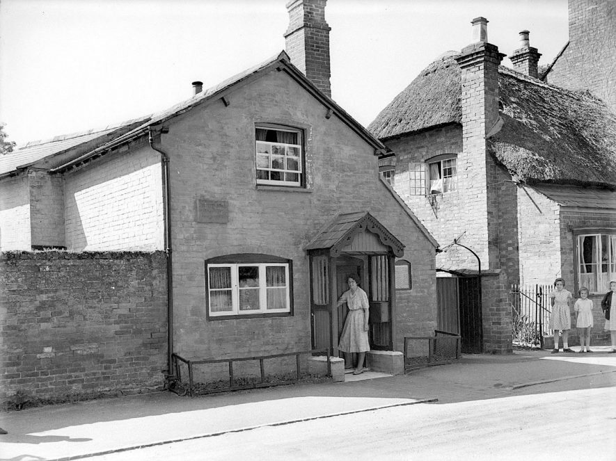 Front exterior of Joseph's Arch's cottage in Barford.  June 6th 1939. |  IMAGE LOCATION: (Warwickshire County Record Office)