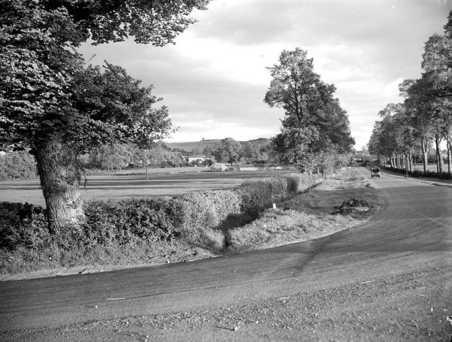 A view from Northend, looking towards the Burton Dassett hills.  May 16th 1956 |  IMAGE LOCATION: (Warwickshire County Record Office)