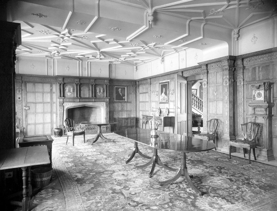 Dining room at Barford Hill House.  March 9th 1953 |  IMAGE LOCATION: (Warwickshire County Record Office)