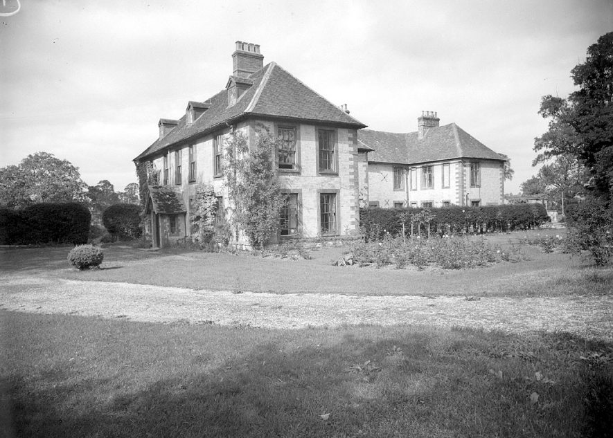 The Manor House at Butlers Marston.  September 17th 1948 |  IMAGE LOCATION: (Warwickshire County Record Office)