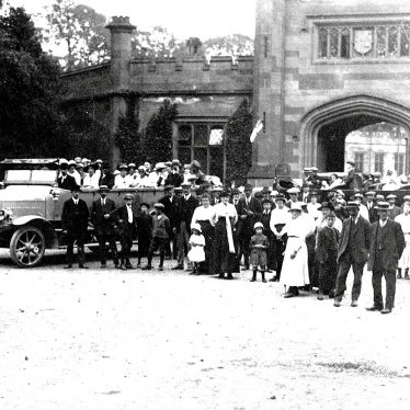 Stoneleigh.  Charabanc and People in front of Stoneleigh Abbey Mews