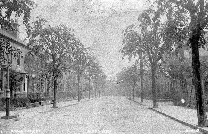 View looking along Broad Street, Warwick.  1900s |  IMAGE LOCATION: (Warwickshire County Record Office)