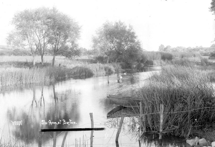 The River Avon at Barton.  1930s |  IMAGE LOCATION: (Warwickshire County Record Office)