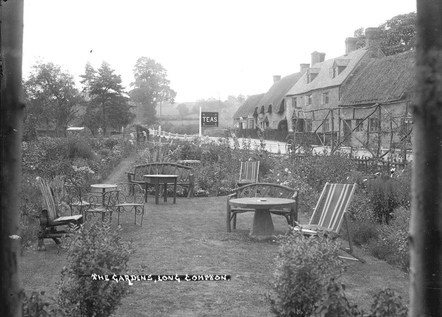 The tea gardens at Long Compton.  1930s |  IMAGE LOCATION: (Warwickshire County Record Office)