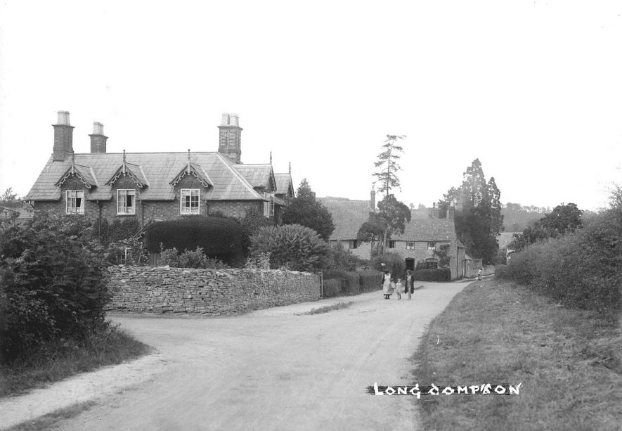 A street scene in Long Compton.  1930s    IMAGE LOCATION: (Warwickshire County Record Office)