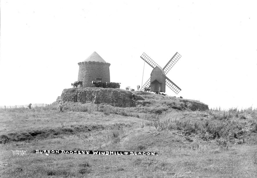 Burton Dassett windmill and beacon.  1930s |  IMAGE LOCATION: (Warwickshire County Record Office)
