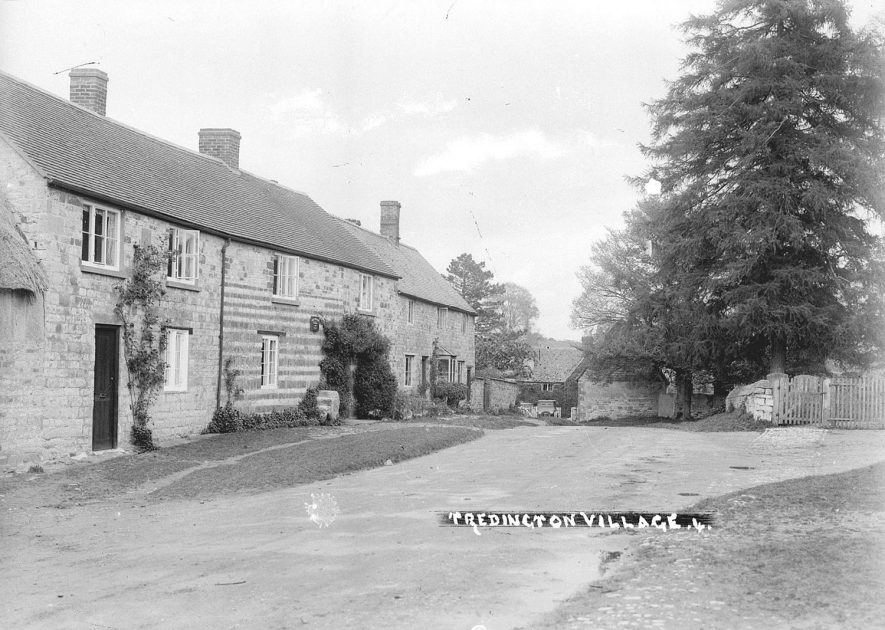 The village street, Tredington.  1930s |  IMAGE LOCATION: (Warwickshire County Record Office)