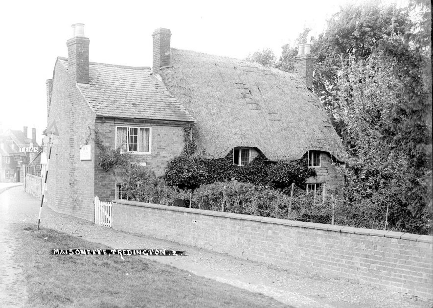 The village street, Tredington.  1930s    IMAGE LOCATION: (Warwickshire County Record Office)