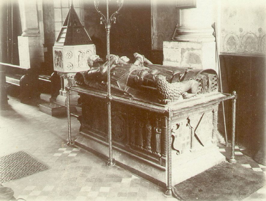 Tomb of Sir Fulke Greville and his wife in Alcester parish church.  1930s |  IMAGE LOCATION: (Warwickshire County Record Office)