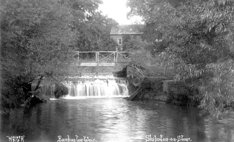 Barcheston weir on the River Stour.  1950 |  IMAGE LOCATION: (Warwickshire County Record Office)