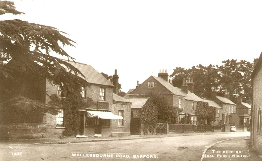 View of Wellesbourne Road, Barford.  1910s |  IMAGE LOCATION: (Warwickshire County Record Office)