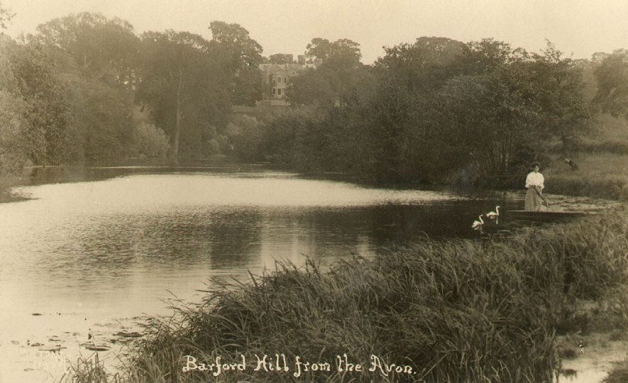 Barford Hill seen from the River Avon.  1900s |  IMAGE LOCATION: (Warwickshire County Record Office)