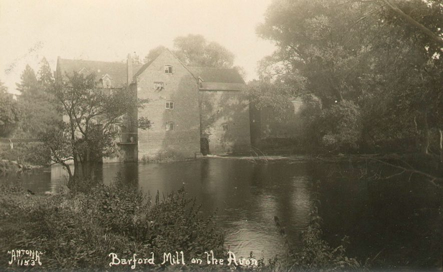 Barford corn mill on the River Avon.  1900s |  IMAGE LOCATION: (Warwickshire County Record Office)