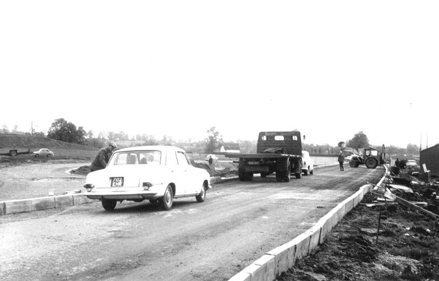 Construction of the Warwick by-pass near Barford.  1967 |  IMAGE LOCATION: (Warwickshire County Record Office)