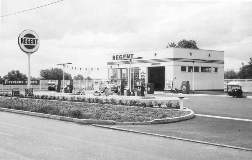 Newly constructed Regent garage, Wellesbourne Road, Barford.  1967 |  IMAGE LOCATION: (Warwickshire County Record Office)