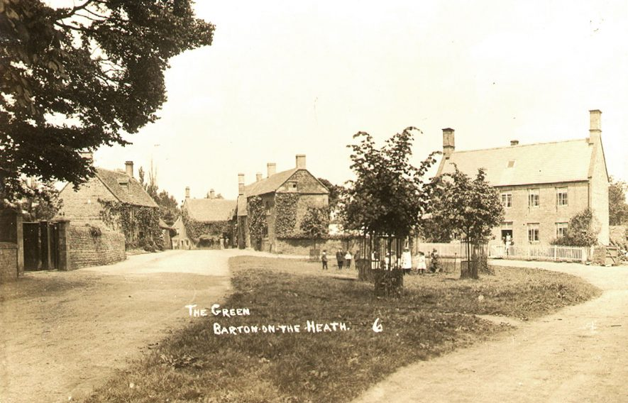 Children on the village green at Barton on the Heath.  1900s |  IMAGE LOCATION: (Warwickshire County Record Office)