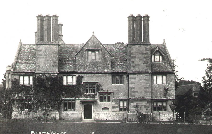 Exterior view of Barton House, Barton on the Heath.  1900s |  IMAGE LOCATION: (Warwickshire County Record Office)