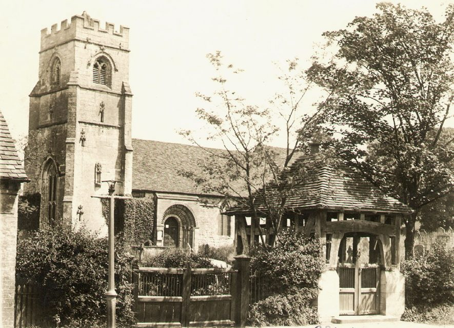 Exterior view of St Nicholas's church and lych gate, Beaudesert.  1920s    IMAGE LOCATION: (Warwickshire County Record Office)