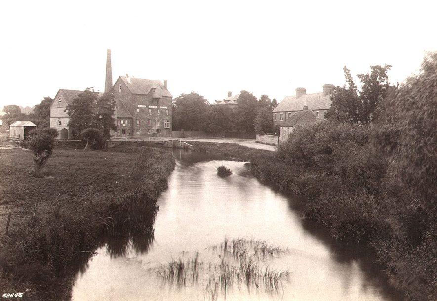 Broom Mill, Bidford on Avon.  1910 |  IMAGE LOCATION: (Warwickshire County Record Office)