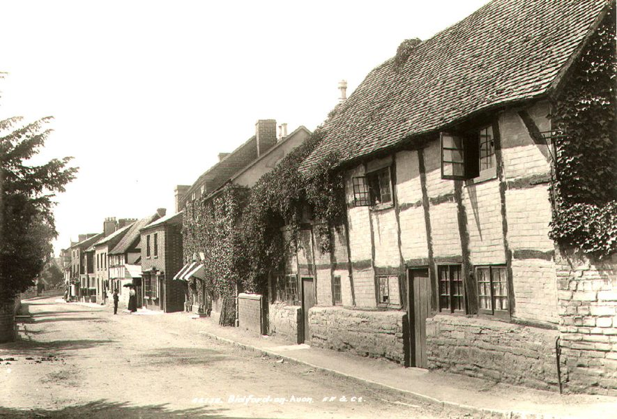 High Street, Bidford on Avon, looking from Icknield Street.  1899 |  IMAGE LOCATION: (Warwickshire County Record Office)