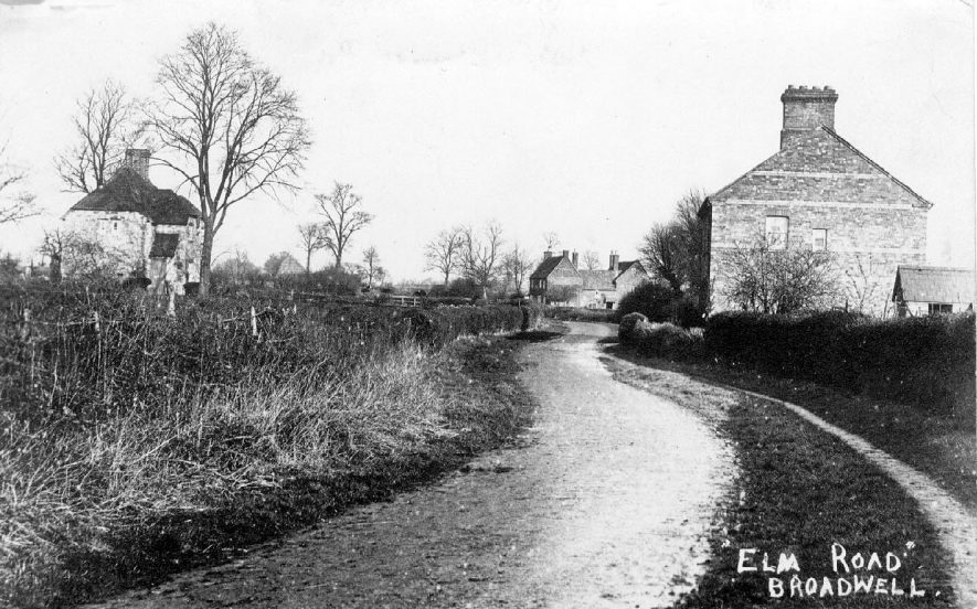 Elm Road, Broadwell. Country road with cottages.  1910s |  IMAGE LOCATION: (Warwickshire County Record Office)