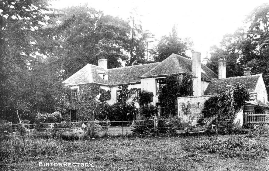 Binton rectory and gardens.  1920s |  IMAGE LOCATION: (Warwickshire County Record Office)
