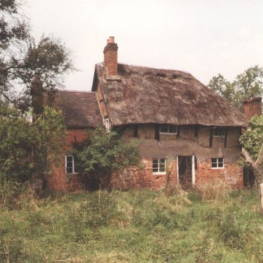 Haseley.  Carps Pool Cottage