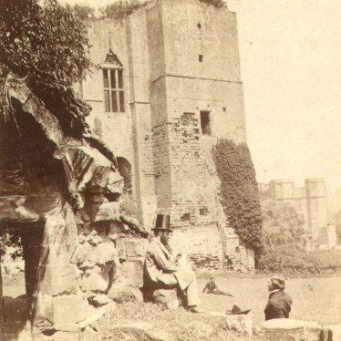 Kenilworth.  Castle, Caesar's Tower