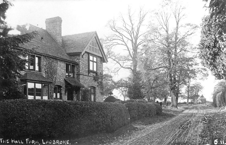 Hall Farm House, Ladbroke.  1900s |  IMAGE LOCATION: (Warwickshire County Record Office)