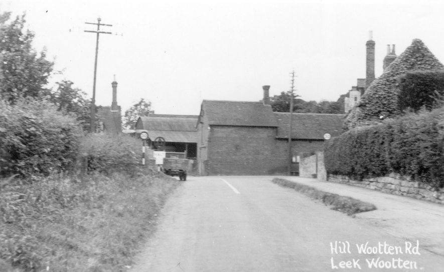 Farm house and buildings, Hill Wootton Road, Leek Wootton.  1940s |  IMAGE LOCATION: (Warwickshire County Record Office)
