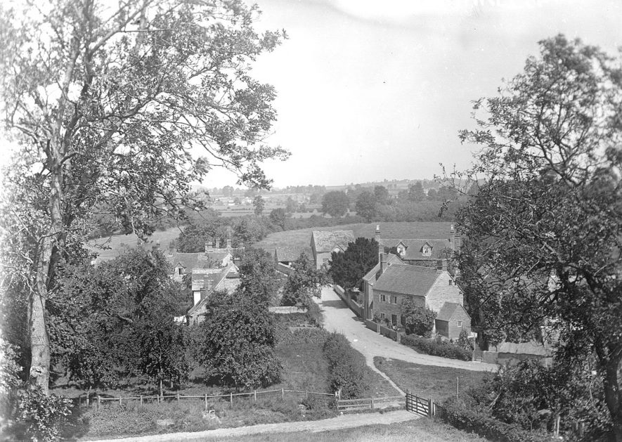 A view of Marcliff, taken from Marcliff Hill looking north.  Circa 1910 |  IMAGE LOCATION: (Warwickshire County Record Office)