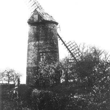 Norton Lindsey.  Windmill