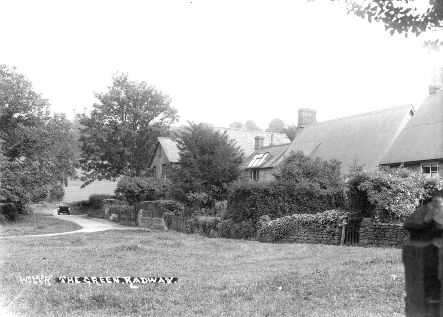 The Green, Radway.  1930s |  IMAGE LOCATION: (Warwickshire County Record Office)