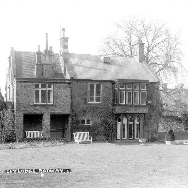 Radway.  Ivy Lodge