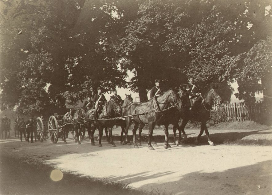 The Warwickshire Yeomanry horse team parading on Cliff Hill, Warwick.  1902 |  IMAGE LOCATION: (Warwickshire County Record Office)
