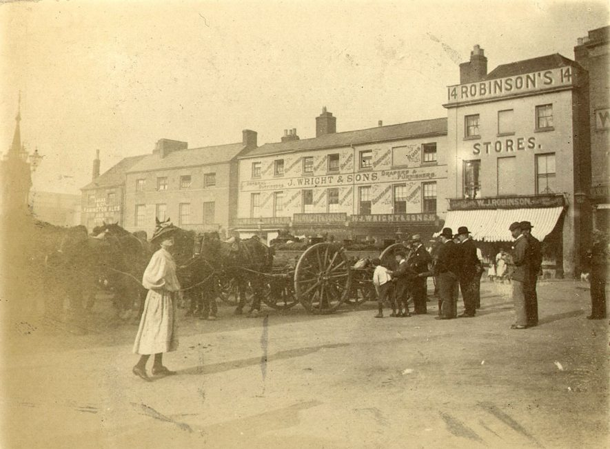 The Warwickshire Yeomanry in The Square, Warwick.  1902 |  IMAGE LOCATION: (Warwickshire County Record Office)