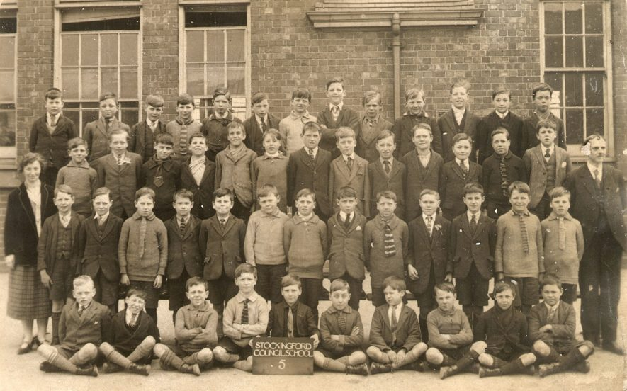 Group photograph of class 5 at Stockingford Council School, Nuneaton.  1920s |  IMAGE LOCATION: (Warwickshire County Record Office)