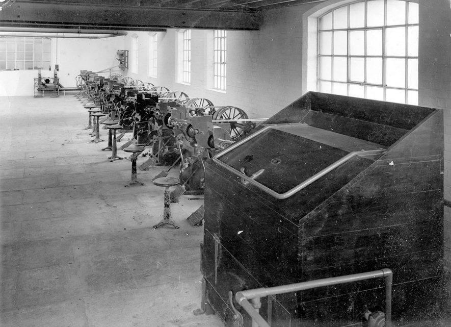 Machinery at Luckman and Pickering's hat factory, Bedworth.  1920s    IMAGE LOCATION: (Warwickshire County Record Office)